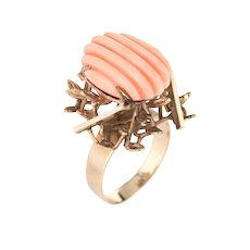 Vintage Fluted Angel Skin Coral Ring 18 Karat Yellow Gold Estate Brutalist Jewelry