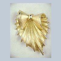 Vintage CORO Unusual Stylish Leaf Pin