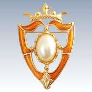 Vintage Stylish Renaissance Revival Style Crown Shield Crest Pin
