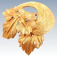 Gorgeous Vintage PASTELLI Double Leaf Pin