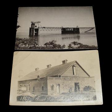 A pair of Nebraska picture postcards photograph.  1867 First Nebraska State Prison and Kingsley Dam near Ogallala