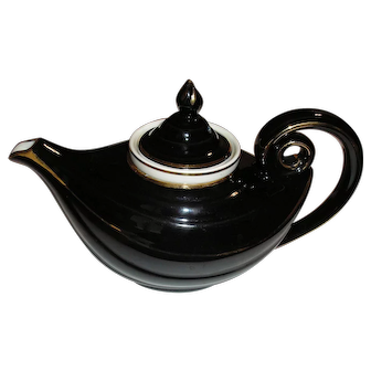 Black with gold trim #0670 HALL Aladdin Teapot with strainer and lid