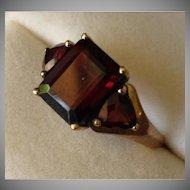 SALE: 9 Carat Gold Garnet Ring.