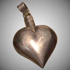 Sterling Silver Puffy Heart Perfume Dabber Pendant.