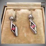 SALE: Vintage Sterling and Garnet Dangle Earrings c1980