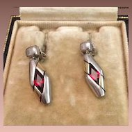 SALE: Vintage Sterling and Garnet Dangle Earrings c1980