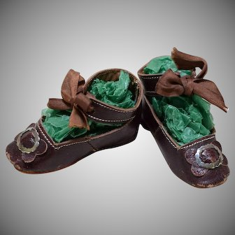 "2 3/4"" Antique Leather Doll Shoes"