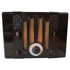 International Kadette R-150 Brown Bakelite Vacuum Tube Radio  1938