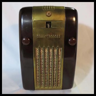 "Westinghouse H127 ""Little Jewel Refrigerator""  Tube Radio (1947)"