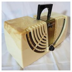 Zenith Consoltone Ivory Marbled Case Radio Model 6-D-0152W (1946)