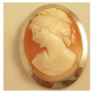 Lovely Vintage Cameo Brooch set in Sterling Silver - Free Shipping