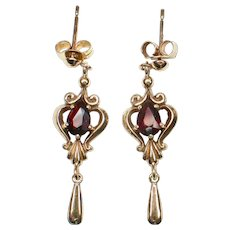 9ct/9k (375) gold Garnet vintage dangling earrings-48 Hour NEW LISTING SPECIAL Price
