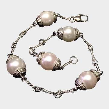 High Luster Cultured Pearl & 18kt White Gold Bracelet