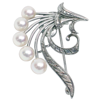 48-hour Special New Listing Price! Save $400! Signed Sterling Silver Mikimoto Pearl Pin