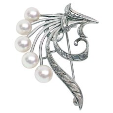 Signed Sterling Silver Mikimoto Pearl Pin + FREE shipping in Canada & US.