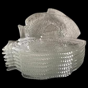 Set of 8 glass fish plates