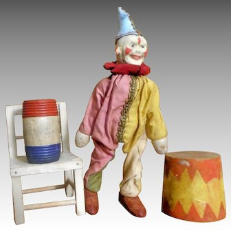 Schoenhut Humpty Dumpty Circus Clown with two-part head and Accessory set