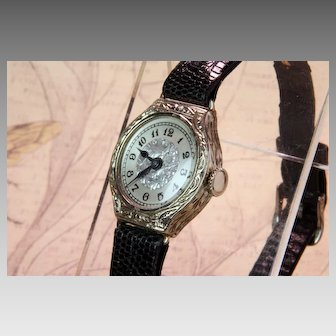Ladies 14K White Gold Vintage Wrist Watch