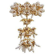 Vintage Large Baroque Style Simulated Pearl Dangle Brooch-Pin