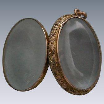 A Late Georgian 15 ct Gold Locket. Circa 1835