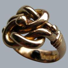 An Edwardian 18 ct Gold Knot Ring. Circa 1905