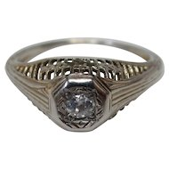 Art Deco Diamond 18 Karat Gold Filigree Engagement Ring, circa 1920