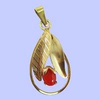Austrian Edwardian 14 Karat Yellow Gold Red Coral Flower Pendant