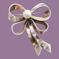 Art Deco Sterling Silver Real Pearl Bow Pin