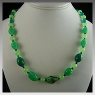 Vintage Art Deco Green Glass Bead Flapper Necklace