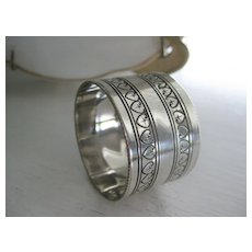 Pretty Vintage Silver Plate Napkin Ring