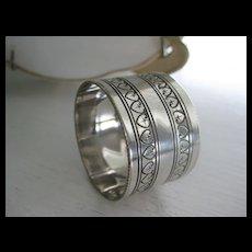 Pretty Vintage Silver Plate Napkin Ring