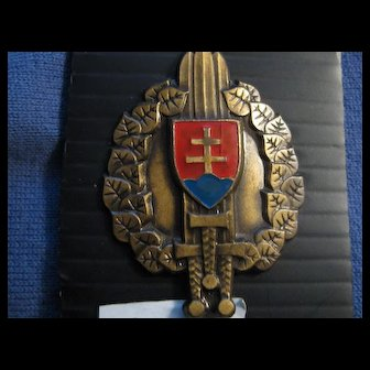 Vintage French Military Badge