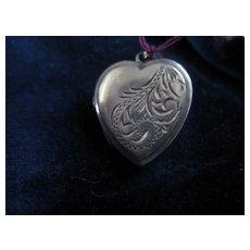 Pretty Vintage Silver Heart Shaped Locket
