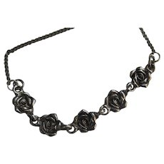 Sweet Vintage Necklace with Roses