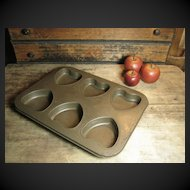 Granny's Favorite Old Farmhouse Kitchen Metal Valentine's Heart Muffin Pan