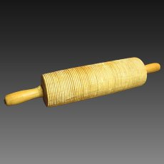 Grandma's Awesome Old Vintage Grooved Wooden Farm Kitchen Rolling Pin