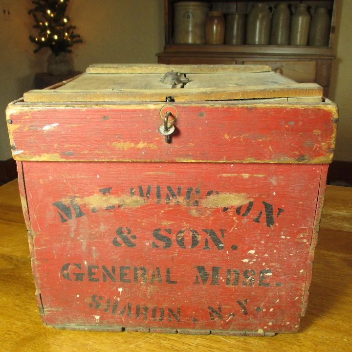 Wonderful Early Old Antique Farmers Friend Wooden Egg Crate Box
