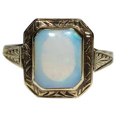 Antique Art Deco 14K Etched Gold Opal Ring