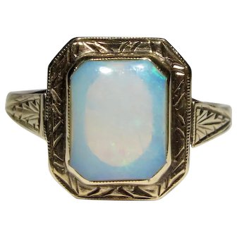 Antique Art Deco 14K Etched Gold Opal Ring