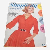 Vintage 1962 Simplicity Sewing Book Magazine 160 Pages Illustrated Drawings Modern Fashion Photographs