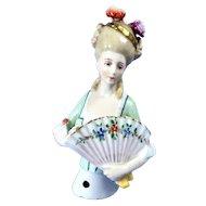 Big Sitzendorf Lady, Plumes, Fan