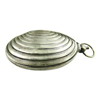 Silverplate Clam Shell Sovereign/Coin Holder