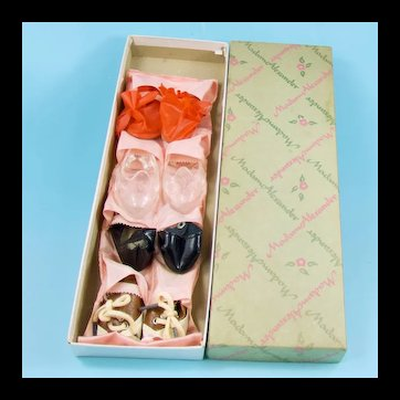 "Madame Alexander Shoe Bag 4 Pairs Shoes for 18"" Dolls, Original Box"