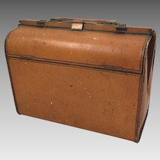 Biscuit Tin 1904 Huntley Palmers Pigskin Valise Purse