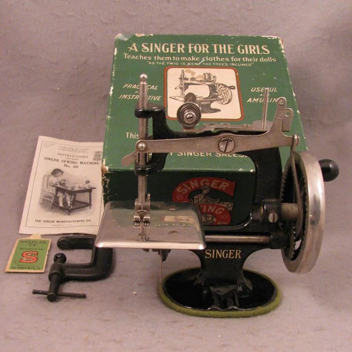 40 Singer 40 Toy Sewing Machine Virtu Doll Ruby Lane Enchanting Singer 20 Sewing Machine