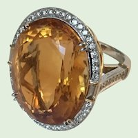 Very Fine 33-1/2 Carat Mandarin Citrine and Diamond Platinum Ring