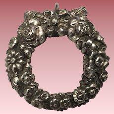 Beautiful Vintage Sterling Silver Wreath Pendant Ornate