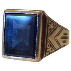 14K Yellow Gold Men's Rectangular Synthetic Sapphire Center Stone Ring