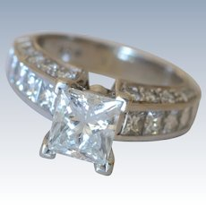 Stunning over 1 Carat Single Princess-cut Diamond Stone 18 K White Gold Engagement Ring