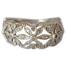Charming Vintage 10K White Gold Filigree Pave Diamond Flower Ring